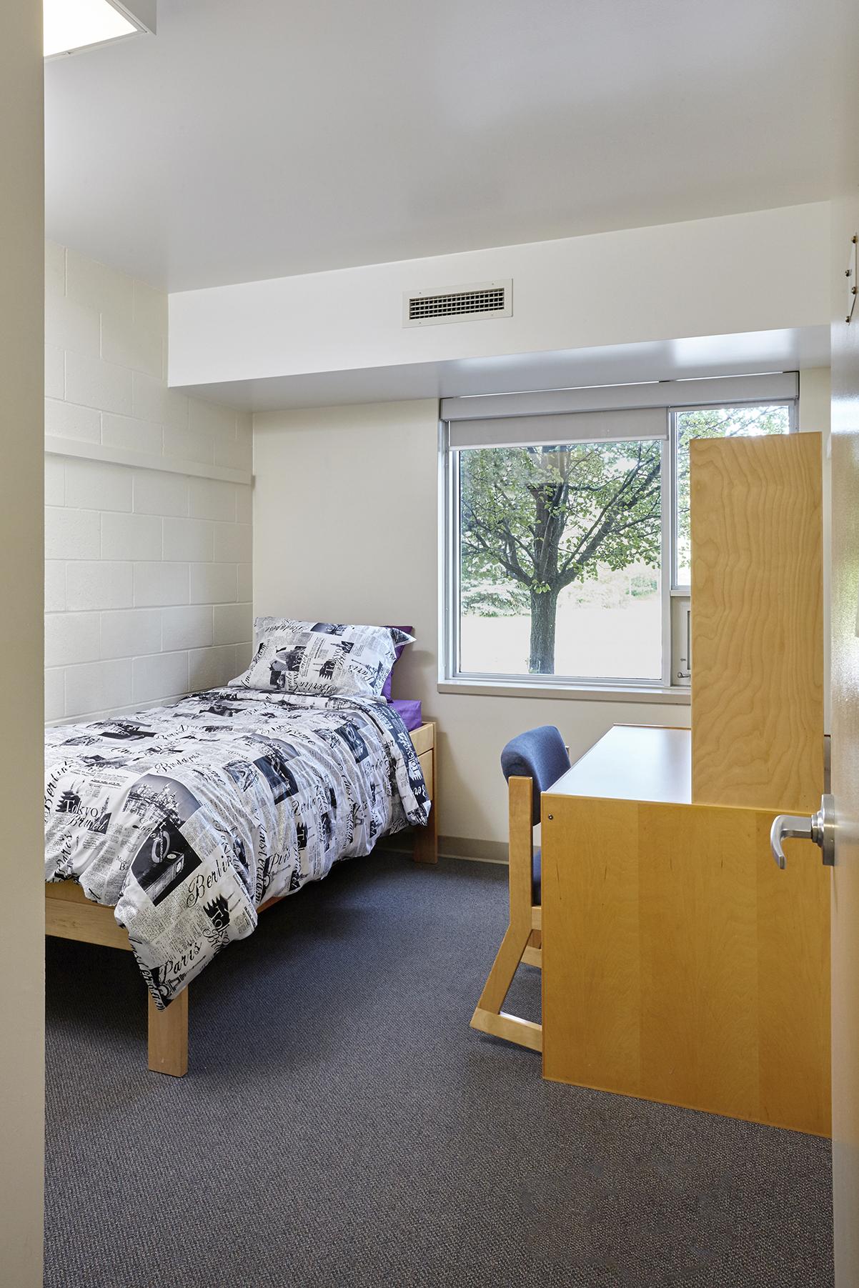 keyes-bedroom